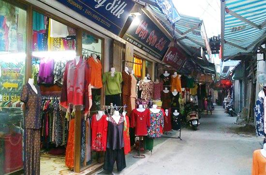 Cửa hàng lụa hà đông
